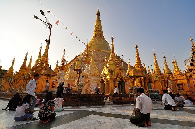 Shwedagon Pagoda evening scene