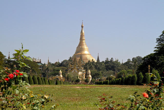 Shwedagon Pagoda view